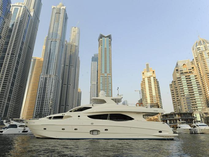 Luxury Yacht Cruise In Dubai Marina Standard Premium